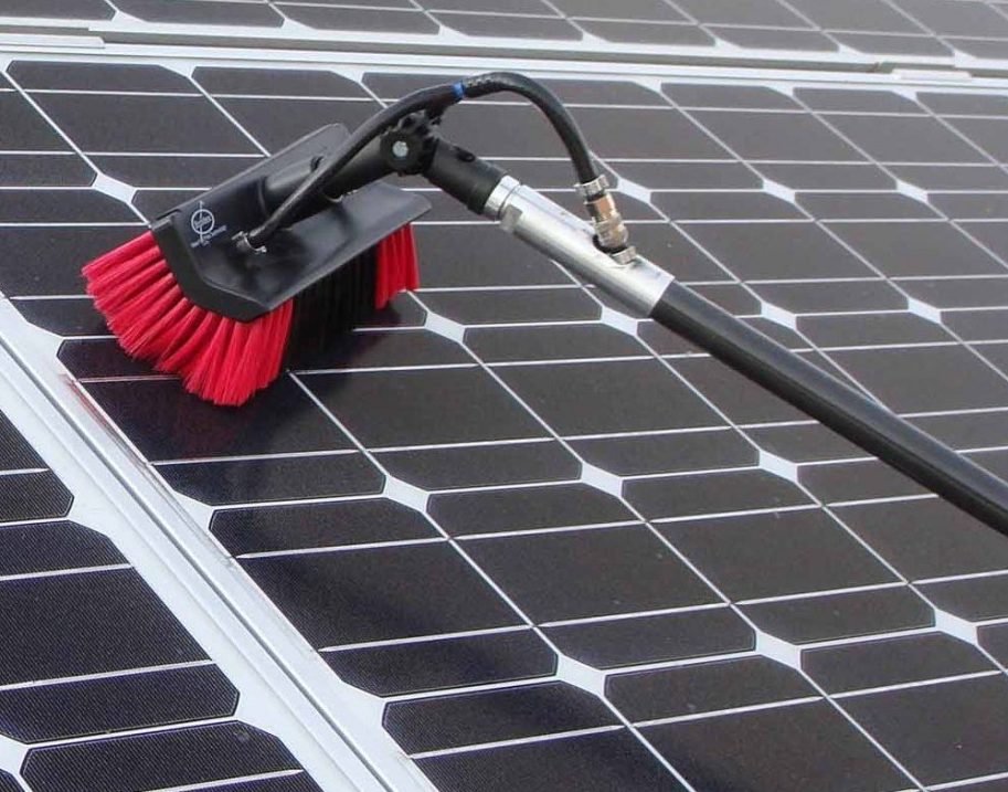 How to maintain and clean your solar panels